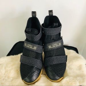 NIKE LeBron Zoom Soldier 10 Black